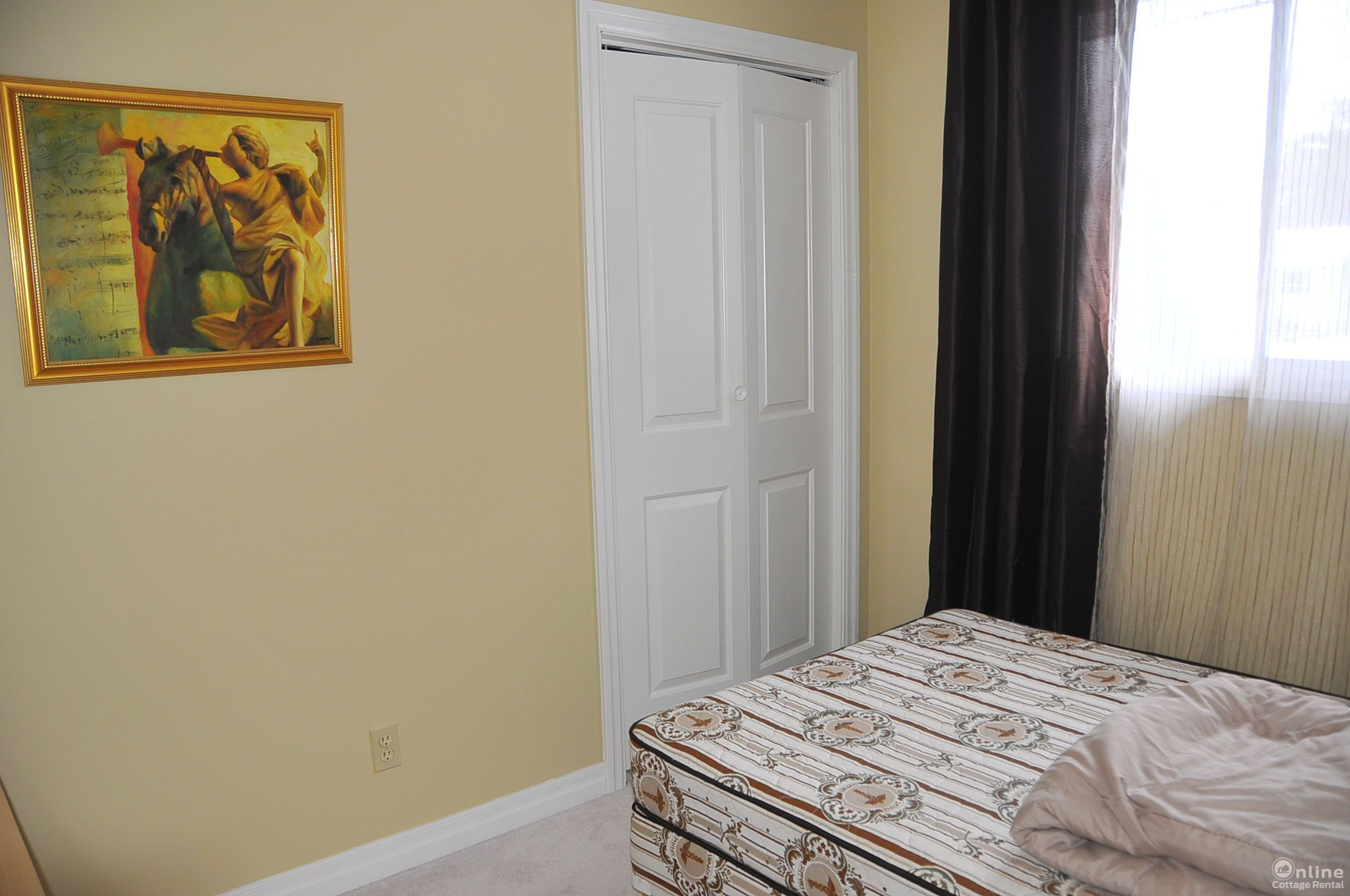 chalet rentals beach bedroom private cottages cottage barrie with tub blue summer hot mountain