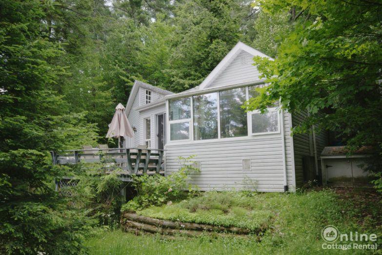 3ff38ca54d8c6d6-apsley-cottage-rentals-Original