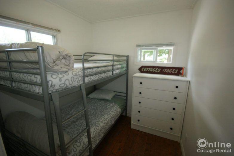 881477d71e6b659-ontario-cottage-rentals-Original