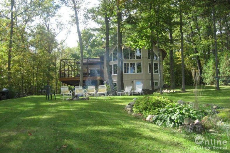 9f945dcfa445d2f-bob-s-lake-cottage-rentals-Original